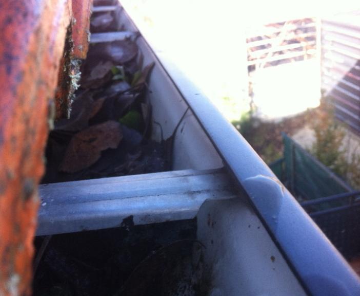 Limpieza de Canalones en Valverde de la virgen