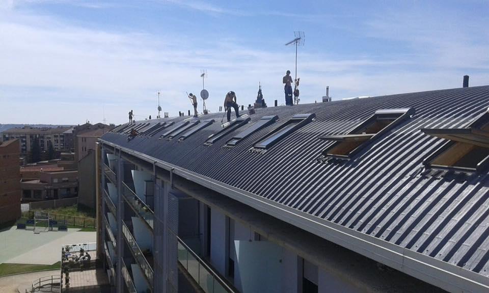 arreglar tejado de chapa Valverde de la virgen